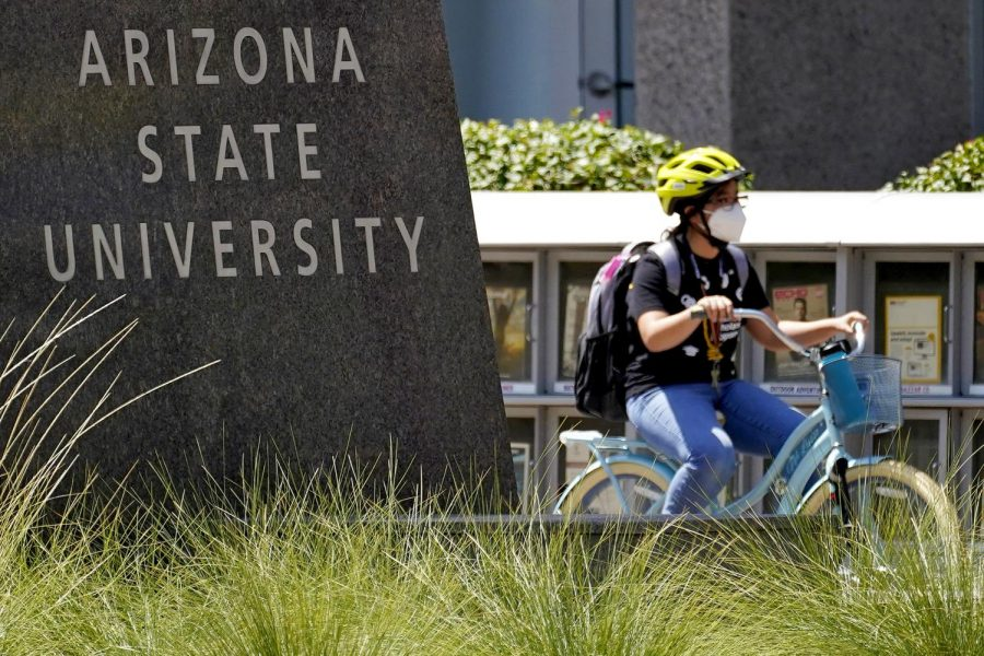 Local Colleges Require Masks